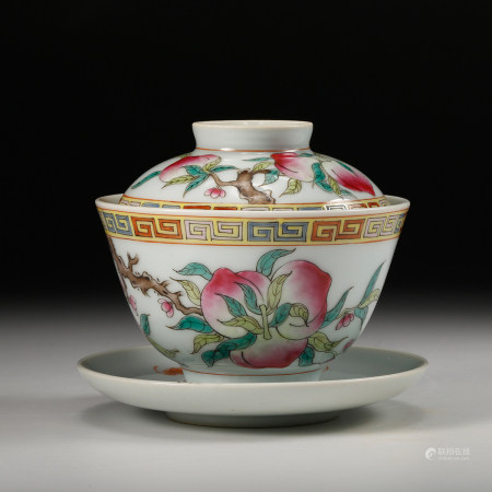 CHINESE FAMILLE ROSE COVER BOWL, QING DYNASTY