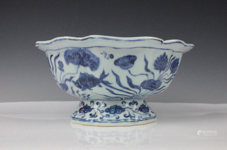 CHINESE BLUE WHITE FISH PORCELAIN BOWL