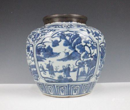 CHINESE BLUE WHITE PORCELAIN JAR, MING DYNASTY