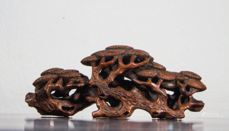 BAMBOO CARVED PINE TREE BRUSH REST