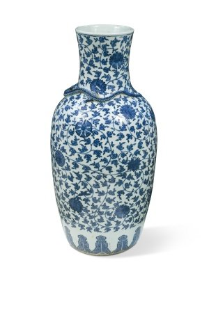 A Chinese blue and white export porcelain large vase, Late Qing Dynasty circa 1880,