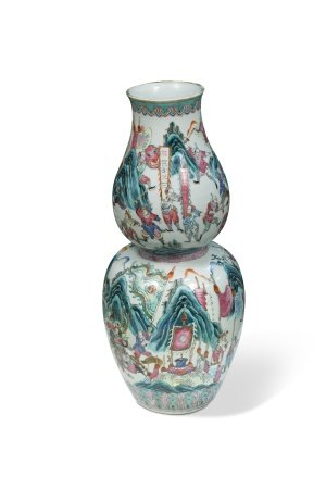 A Chinese porcelain double gourd vase, late Qing Dynasty circa 1890,