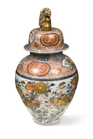 A Japanese Imari porcelain large vase and cover, late Meiji Period (1868-1912),