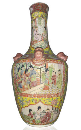Porcelain vase, richly decorated with various scenes of court life, flowers and lions' heads in