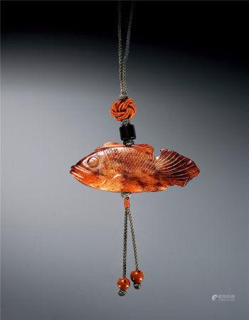 明 白玉红沁鳜鱼