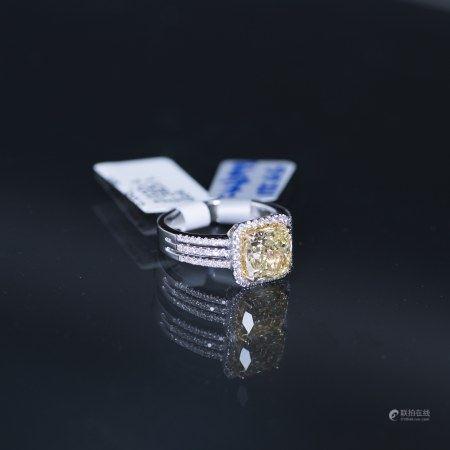 A FANCY YELLOW DIAMOND RING, GIA CERTIFIED