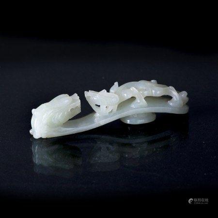A WHITE JADE 'DRAGON' BELT HOOK, QING DYNASTY