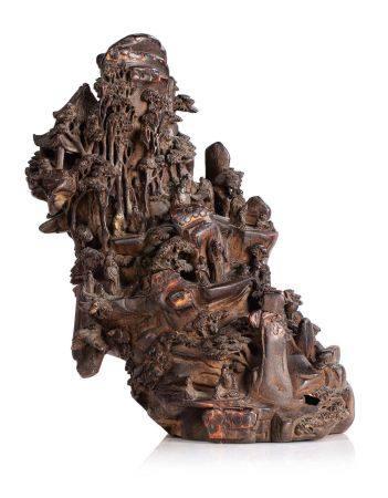 CHINE XVIII-XIXE SIÈCLE Grand bambou finement sculpté en forme de montagne arborée de pins, bam
