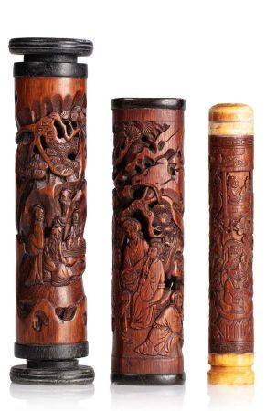 CHINE FIN XIXE SIECLE Lot comprenant trois diffuseurs à parfums en bambous, à décor de lettrés