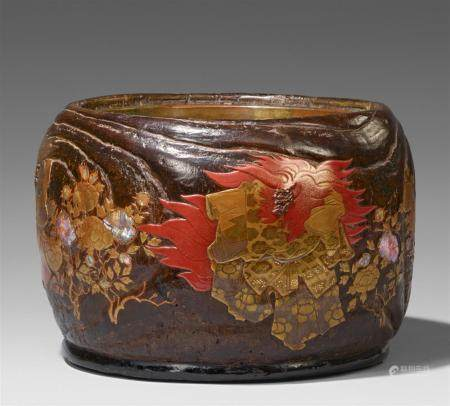 A kiri wood and lacquer hibachi. Late 19th century