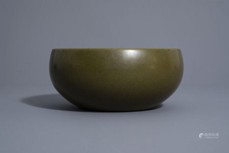 A Chinese monochrome 'teadust' glazed bowl, Qianlong mark, 19th/20th C.