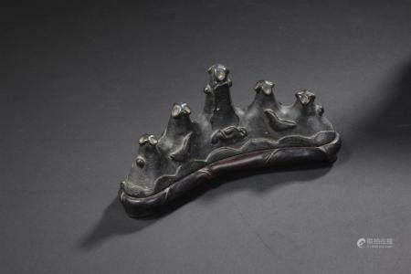 Repose-pinceaux en bronzeChine, dynastie Ming, XVIIe siècleEn