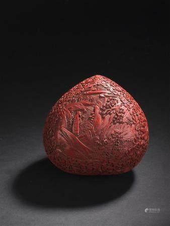 Boîte couverte en laque rouge sculptéeChine, fin du XIXe sièc
