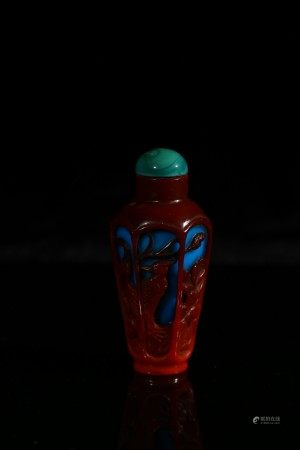 A PEKING RED OVERLAY BLUE GLASS SNUFF BOTTLE