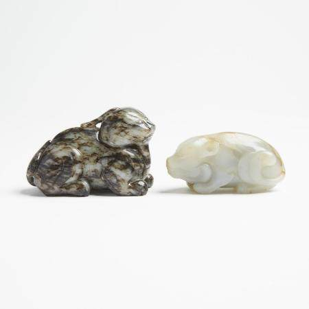 Two Jade Carved Beasts, 灰玉 青白玉雕瑞獸兩件, length 3.5 in — 9 cm (2 Pieces)