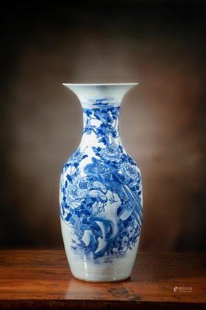 清 青花鳳凰牡丹大瓶