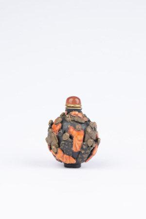 清 十八羅漢雕瓷鼻煙壺