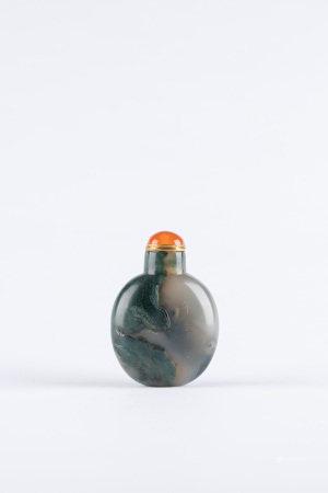 清 蘇州瑪瑙巧雕年年有餘鼻煙壺