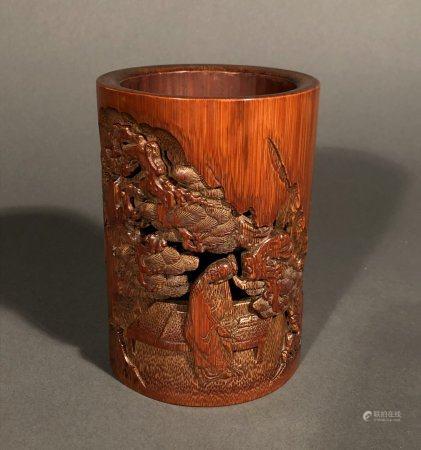 CHINE. PORTE PINCEAU en bambou sculpté d'un lettré sous un ar