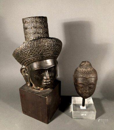 ASIE du SUD EST. Lot comprenant une tête de Bouddha (H. 12,5
