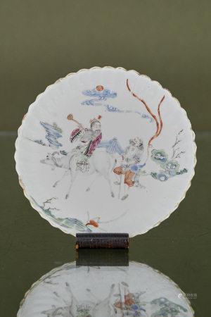 Chine  - Assiette creuse  En porcelaine godronnée et à décor polychrome de Lao [...]