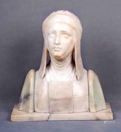 """BETSSI. ESC. ITALIANA.  """"Dama medieval"""".  Escultura en alabastro, época 1920. [...]"""