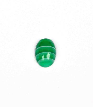 Ágata verde bicolor, talla cabujón oval. -