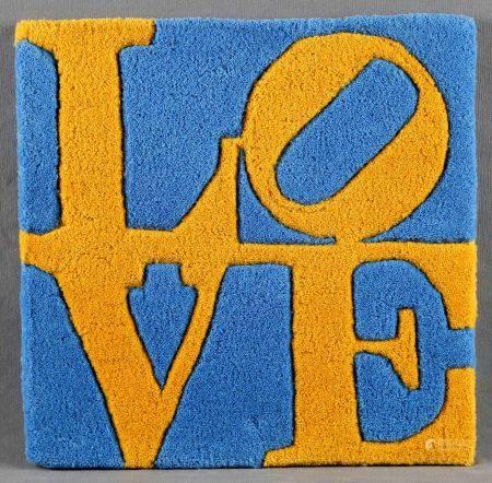 """INDIANA, ROBERT.  """"Love"""". Tapiz en seda de color azul y amarillo. Firmado al dorso y [...]"""