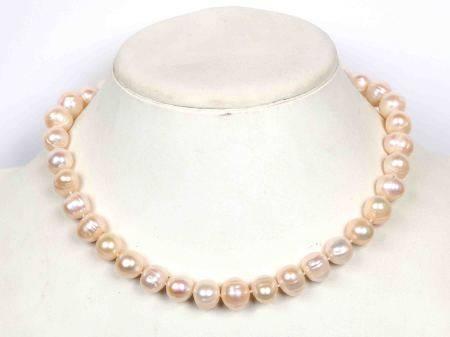 Collar de perlas rosas de Filipinas. -