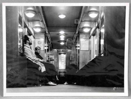 """DANIGEL, GERD. """"U-Bahu"""". Fotografía. Al dorso, etiqueta del autor. Med.: 30,5x40,5 cm. -"""