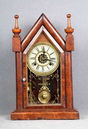 Reloj americano de sobremesa, año 1890. De la marca WATERBURY CLOCK CO. USA, con [...]
