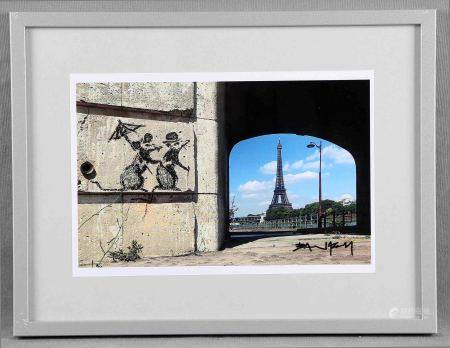 "BANKSY. ""Rat couple staring at the Eiffel Tower"". Fotografía color. Con firma [...]"