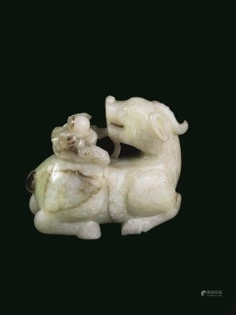 SCULTURA, CINA, DINASTIA QING, SEC. XVIII  - in giada verde celadon, raffigurante [...]