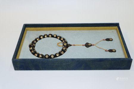 沉香木鑲銀絲十八子念珠配布盒