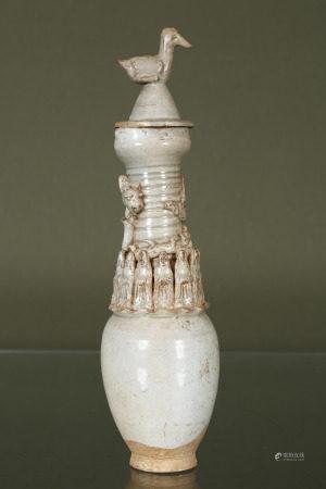 1 urne funéraire chinoise + 1 garniture > Urne en grès émaillé céladon gris, à [...]