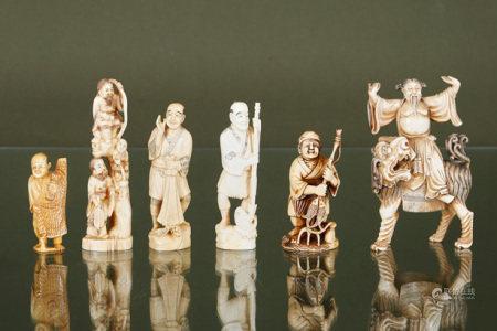 Chine et Japon  - 6 pêcheurs et dignitaires En ivoire sculpté, gravé et [...]