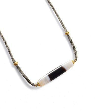 天珠旁系黑白珠项链