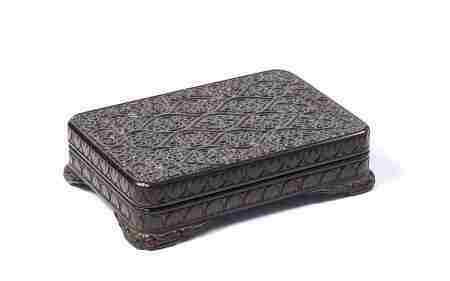 卷草纹方盒