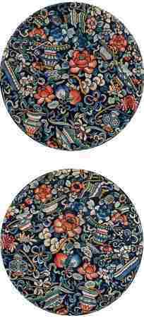 清 石青地刺绣牡丹纹团花 (一对)