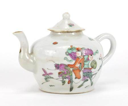 Chinese porcelain teapot hand painted in the famille rose palette with figures and a Qilin, 9.5cm