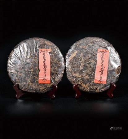 2000年  岩氏百年老树黄片普洱生茶