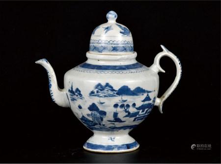 青花山水纹茶壶