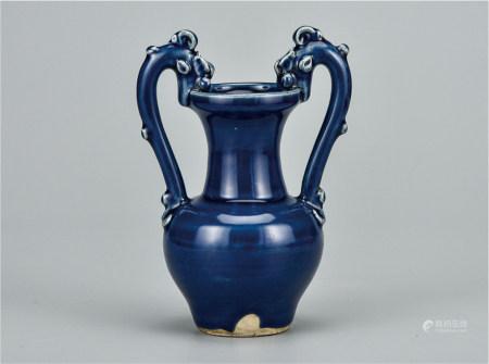 霁蓝釉双龙衔口瓶