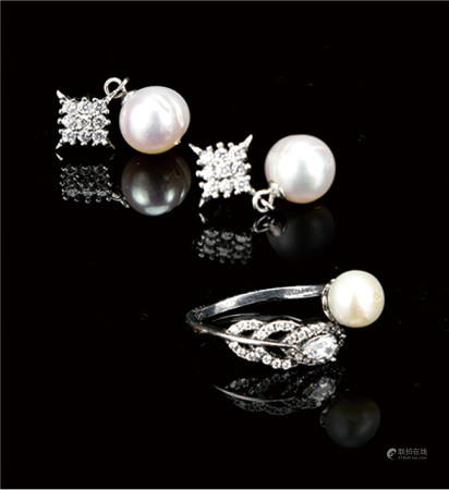 珍珠戒指/耳钉  一套  附证书