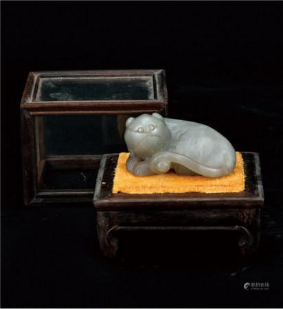 和田玉瑞兽  配酸枝玻璃展示盒