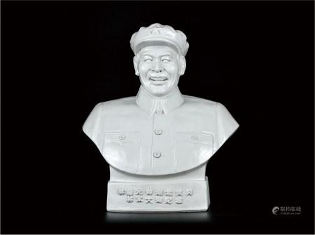 林彪半身雕塑像