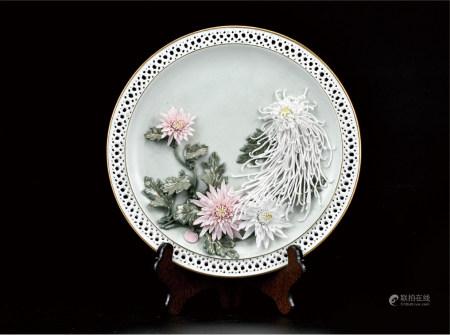 富贵花开雕瓷盘