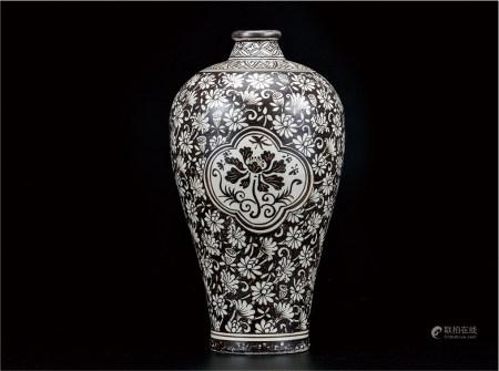 磁州窑花卉梅瓶