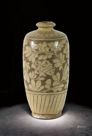 宋  磁州窯刻花瓶