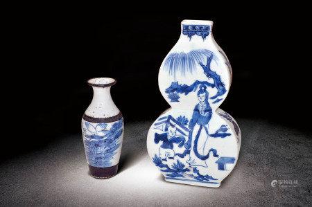 民國  青花人物紋葫蘆瓶、花卉紋小瓶一組两件
